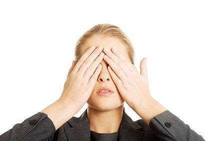 Dùng corticoid dễ gây tác dụng phụ trên mắt