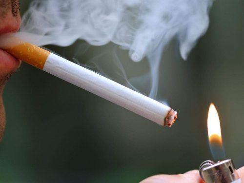 Người bệnh phổi tắc nghẽn mạn tính COPD nên tránh khói thuốc
